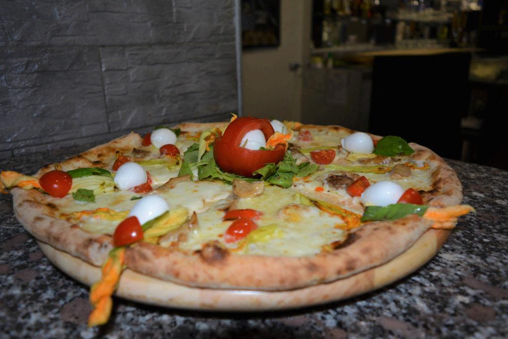 Pizza ai fiori di zucca Pizzeria Modì